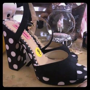 BETSEY JOHNSON POLKA DOT HIGH HEELS